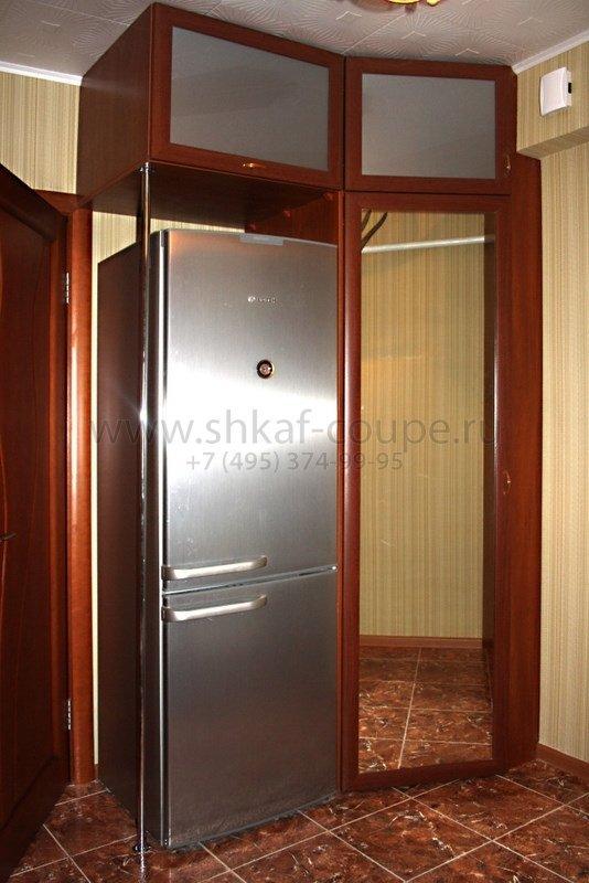 Холодильник встроенный в шкаф фото